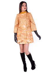 Жіноча сучасна модна одежа нової колекціі.